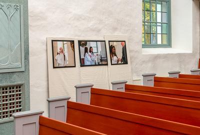 Fotutställning i Grava kyrka med 15 bilder från boken om Grava kyrka